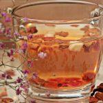 Teemischung aus verschiedenen Früchten